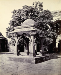 Pavilion in the court of the Jami Masjid, Khambhat (Cambay)
